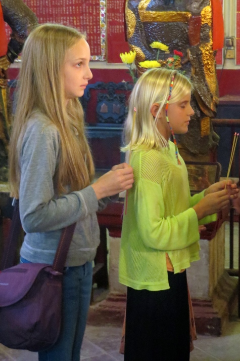 Haven and Zoe make their silent requests for a fortune telling...