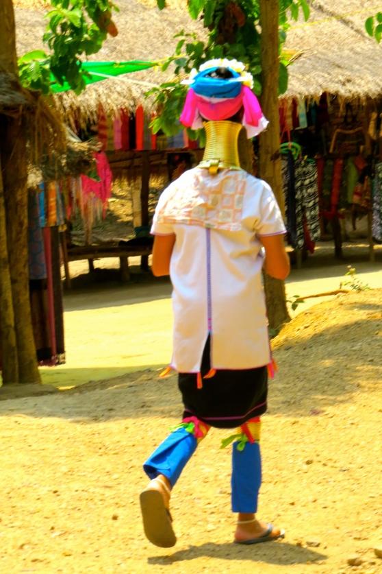 Long Neck Tribal woman