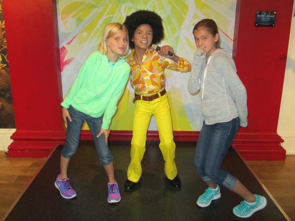 Grooving with MJ at Mme. Tussauds