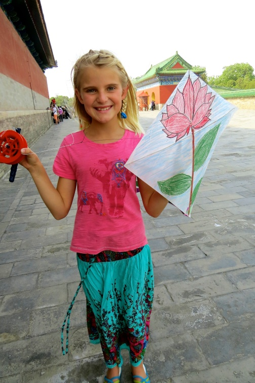 Zoe continued to practice drawing lotus flowers when making her kite